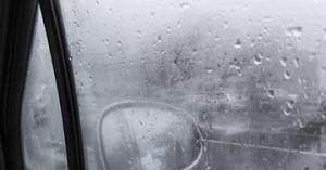 foggy-windshield
