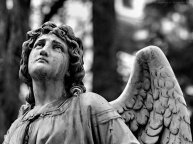 800x600-Mourning-Angel